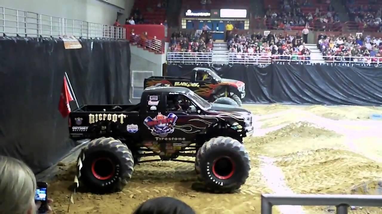 Truck Shows Near Me >> Bad Boy Bigfoot V S Black Jack Monster Truck Racing Cape