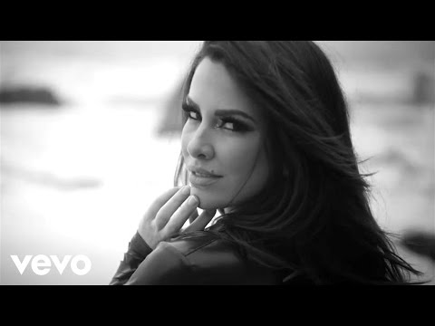 Nayer - Suave (Kiss Me) ft. Pitbull, Mohombi