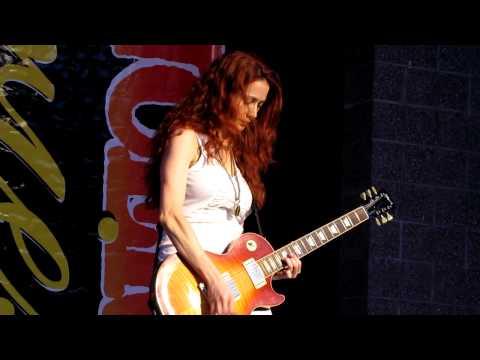 Zepparella - Ramble On (Rockfest, September 8, 2012)