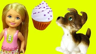 Cute Puppy ! SWEET Treats Bakery ! Barbie and her sisters enjoy Cookies and other Sweets