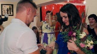 трогательное предложение руки и сердца на свадьбе