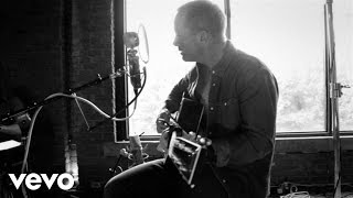 Chris Tomlin - Jesus Loves Me (Love Ran Red Acoustic Sessions)