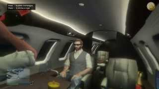 GTAGames.nl - GTA Online Buckingham Luxor Deluxe golden - drinking champagne and cigar smoking
