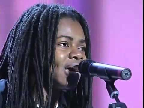 Luciano Pavarotti & Tracy Chapman   Baby Can I Hold You Live at Pavarotti and Friends, 2000)