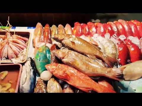 ikan-bakar-segar-langsung-dari-laut-di-kampung-ujung,-labuan-bajo