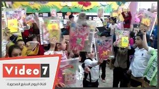 شاهد احتفال أطفال الروضة بمدرسة طارق بن زياد بعيد الأم