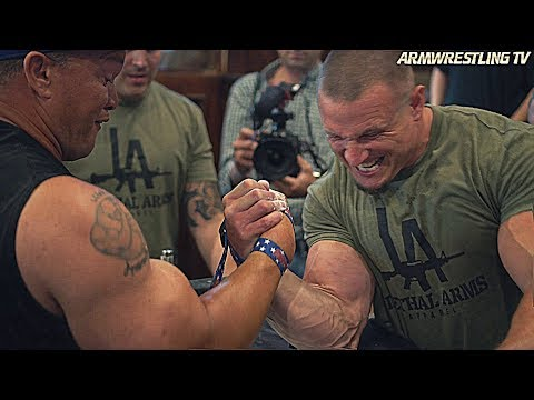 ARM WRESTLING WITH MARCIO BARBOZA