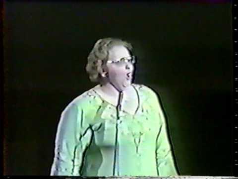 6af8e3056005fa 1976 kate smith anthem God bless America - YouTube