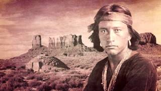 Native American Flute - Lonely is the hogan - Indian traditional song