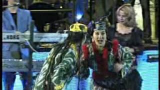 YULDUZ Usmonova - Yoppasiga live 2007 funny