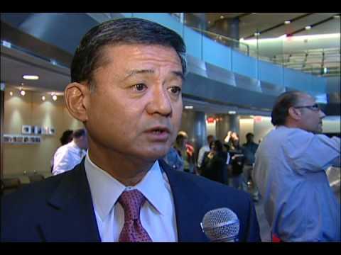 Secretary Eric Shinseki First of Thousands of VA Employees, Veterans to Get Flu Shots