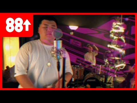Higher Brothers - 7-11 (Official Music Video)