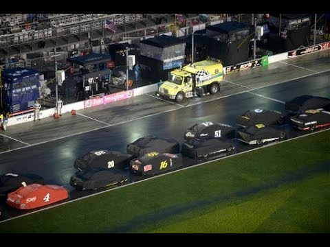 2014 Coke Zero 400 | NASCAR Postponed the Race