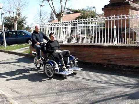 tricycle velo triporteur plateau pour fauteuil roulant. Black Bedroom Furniture Sets. Home Design Ideas
