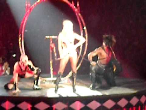 "Britney Spears - ""Circus"" - LIVE - The Circus Tour (Boston - 8/29/2009)"