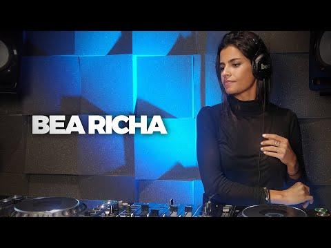 Bea Richa - Live @ Radio Intense Barcelona 11.12.2019 // Melodic Techno Mix