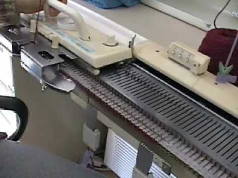 7b4fed8f8 Knitting Machine Sample - YouTube