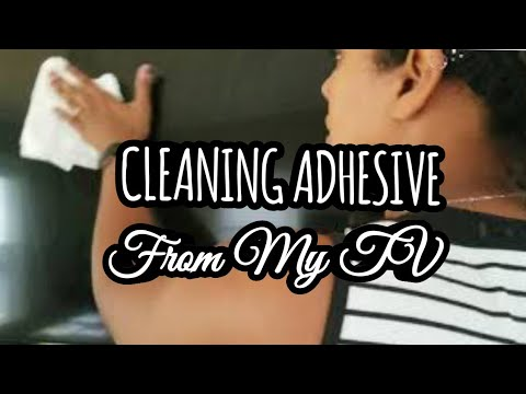 CLEANING MY FLAT SCREEN TV | EASY TV CLEANING | CLEANING ADHESIVE FROM MY TV