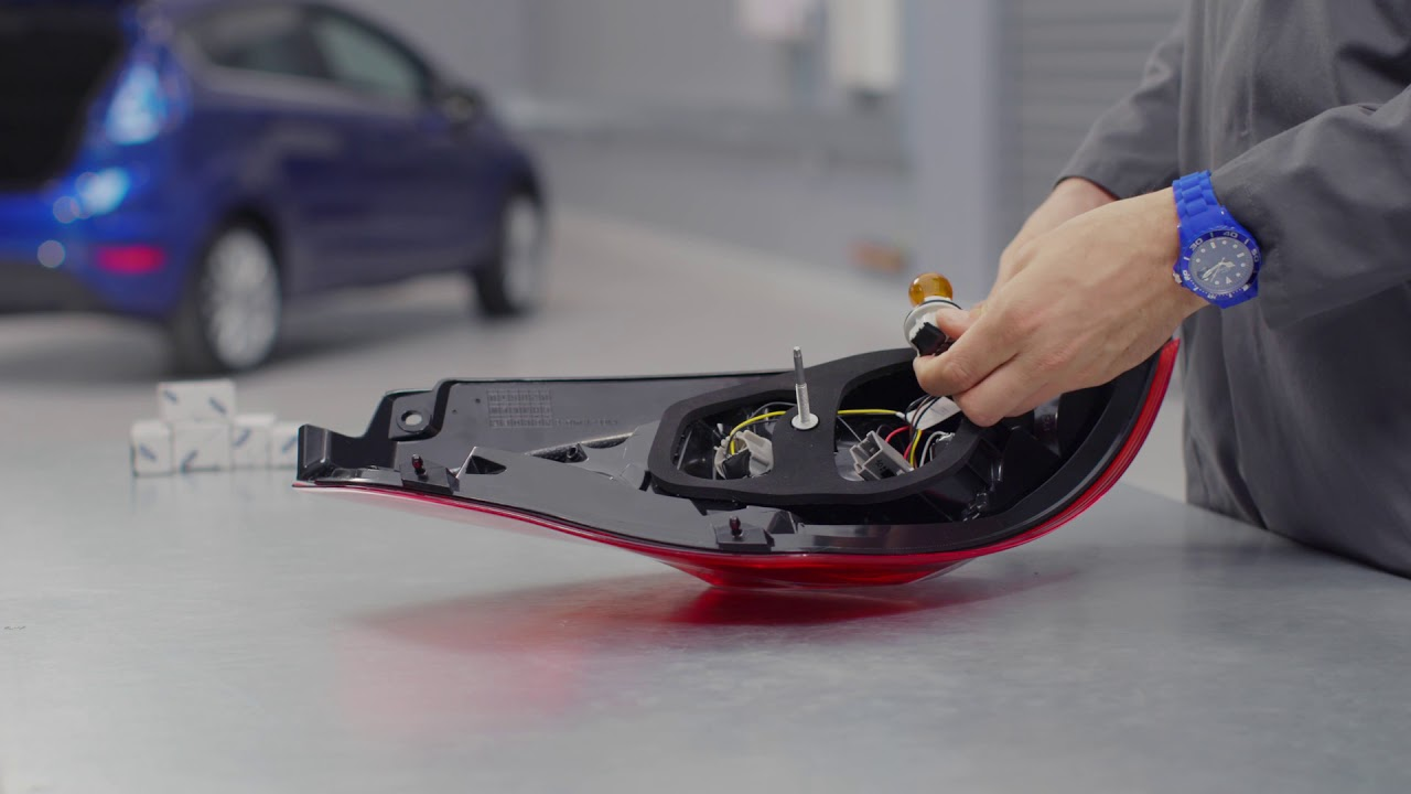 hight resolution of how to change a bulb in your rear lights ford uk