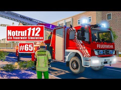 NOTRUF 112 #65: BAUMSÄGEEINSATZ für die Feuerwehr Kaiserslautern! I Feuerwehr-Simulation: Weiter geht es in Notruf 112 mit einer spannenden Geschichten aus der DMAX-Feuerwehr-Doku und einem Baumsägeeinsatz für die Feuerwehr Kaiserslautern! ►Alle Folgen von Notruf 112: https://www.youtube.com/watch?v=-ahLXY0QRR4&list=PLHr0jWPfoptdjoxq0lnNZVklYgOimFexI ►KEF-DLC: https://de.gamesplanet.com/game/notruf-112-kef-das-kleineinsatzfahrzeug-steam-key--3138-2?ref=nordrheintv ►Feuerwehr-Simulator Notruf 112: http://amzn.to/1KTi9E1 In Notruf 112 erfüllen wir uns den Traum eines jeden Kindes: Einmal Feuerwehrmann sein! Als Maschinist, Angriffstruppführer oder anderes Glied der Mannschaft rücken wir zu Feuerwehr-Einsätzen wie Bränden, Unfällen, Katastrophen oder Rauchmelderalarmen aus.  Notruf 112 – Die Feuerwehr Simulation simuliert erstmals detailgetreu den ereignisreichen Alltag der Feuerwehr in einer Großstadt. Spannende zufallsgenerierte Einsatzszenarien, wie ein Ölteppich, Autounfälle mit PKW und LKW, Brände mit Außen- und Innenangriff (unter Pressluftatemgerät), ein Dachstuhlbrand und Wohnungsbrände ermöglichen stundenlangen Spielspaß. Realistisches Schlauch-Handling mit flexibel beweglichen Schläuchen sowie eine sehr realistische Brandausbreitung (Fluidsystem) sorgen für ein authentisches Spielerlebnis. Schalten Sie Blaulicht und Martinshorn ein und erleben Sie einen der aufregendsten Berufe überhaupt – eine Feuerwehr Simulation, wie es sie in dieser Tiefe bisher noch nicht gab Features: Umsetzung der Berufsfeuerwache Mülheim in einer fiktiven Stadt hochdetaillierte Fahrzeuge, wie Löschgruppenfahrzeug (LF24), Tanklöschfahrzeug (TLF), Wechsellader (WLF) oder Einsatzleitwagen (ELW, nur passiv) frei entnehmbare Gerätschaften aus den Fahrzeugen realistisch umgesetzte Schlauchdarstellung (flexibel bewegbar) Innen- und Außenangriff Technische Hilfeleistung bei PKW- und LKW-Unfällen realistische Brandausbreitung mittels einer dynamischen Fluid-Simulation Kleineinsatzfahrzeuge (KE