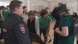 Полицейские Серпухова провели уроки мужества
