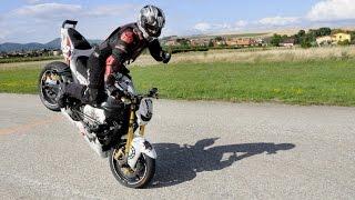 Rekord v jazde na prednom kolese motorky