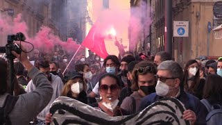 Roma, la protesta dei lavoratori dello spettacolo:
