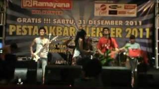 Likes Band - Lagi Lagi Janji ( Omelette ) Live @Mall Klender