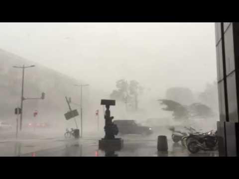 ポーランドで起きた強風映像。その破壊力が恐ろしい…