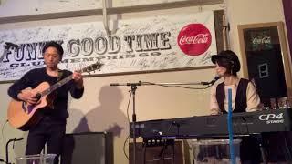 Tsukasa自身作曲のアコースティックカバー ピアノ:Mariと、ギター:Tsukasaの弾き語りユニット、Famille (ファミーユ)です。 オリジナルやカバーソング...