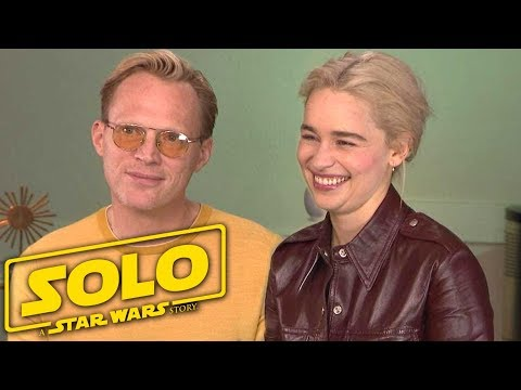 'Solo: A Star Wars Story': Emilia Clarke and Paul Bettany (Full Interview)