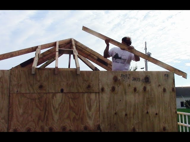 How To Layout And Cut Hip And Valley Roof Rafters Youtube