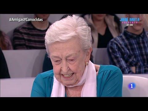 Abuela periodista - una mujer de 82 anos estudiando en la Universidad