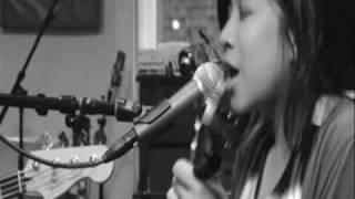 """Zee Avi - """"Kantoi"""" Sing-Along"""