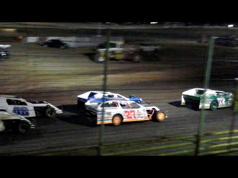 Cardinal Speedway modified feature 5-26-18