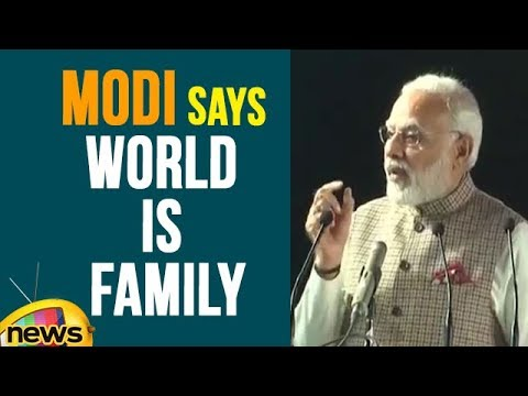 PM Modi Says Technology Breaks Barriers And World Is Family | Mango News