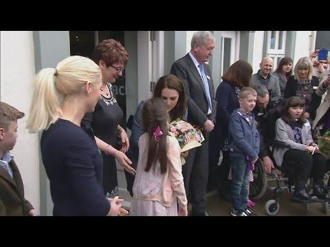 11-year-old girl steals Duchess of Cambridge's spotlight
