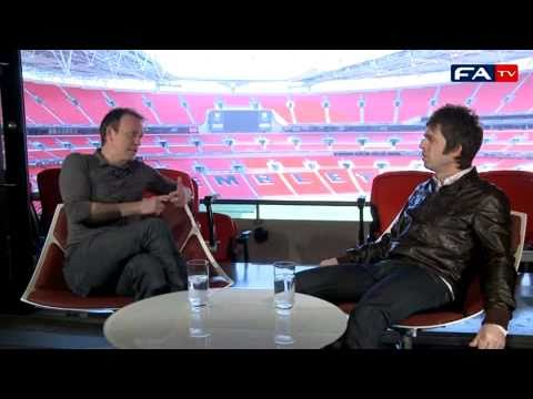 Hilarious interview of Noel Gallagher speaking about Del Piero and Italy winning the 2006 WC