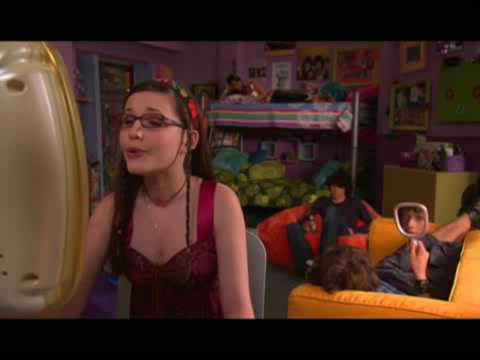 Quinn Zoey 101 Now Logan doesn&#39...
