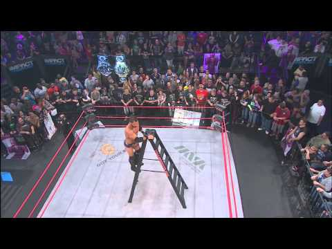 Turning Point 2012: Ladder Match - Jeff Hardy vs. Austin Aries