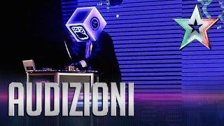 Roberto, l'avanguardia dell'elettronica   Italia's Got Talent 2015