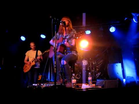 Watch Over, Lucy Rose, Live at Sub89, Reading, 22/05/2012 (New Song!)