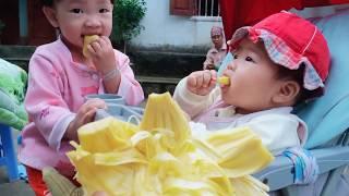 Sunny ăn mít - cho bé ăn hoa quả khi mấy tháng tuổi