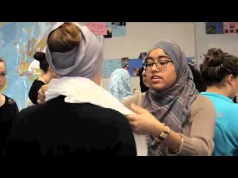 Chicago's non-Muslim school girls wear hijab to promote acceptance of Islamic beliefs