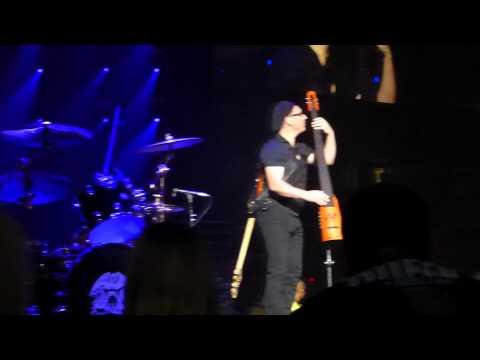 Queen + Adam Lambert - Bass Solo (Neil Fairclough) - Toronto, Canada 07/28/14