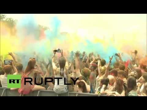 Russia: Holi Festival brings colours of India to Moscow