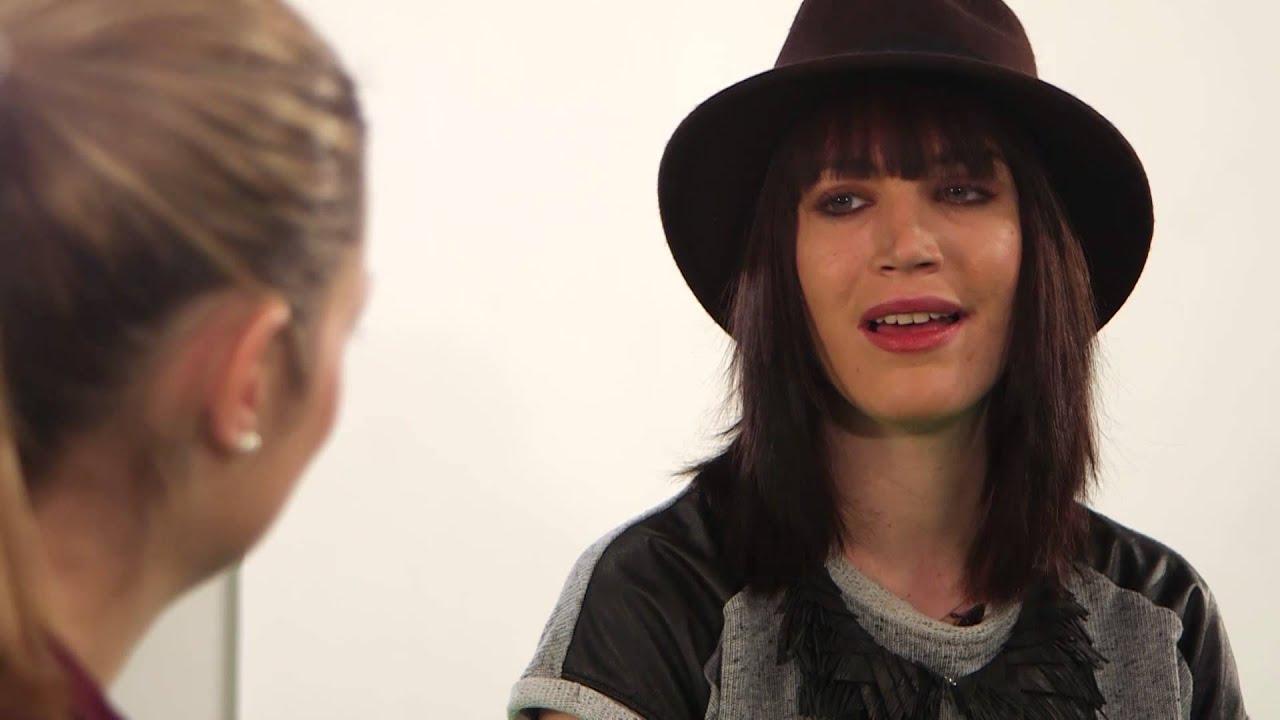 BUNTE TV - Topmodel Talk mit Tessa Bergmeier