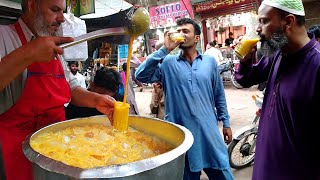 Amazing Food at Street | Pakistan F...