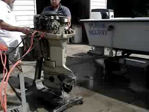 Evinrude 115hp 1973 Snarls to life