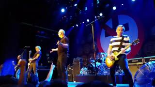 Bad Religion - Along the way + Conquer the world (live in Amsterdam)
